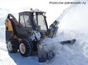 Началась уборка снега